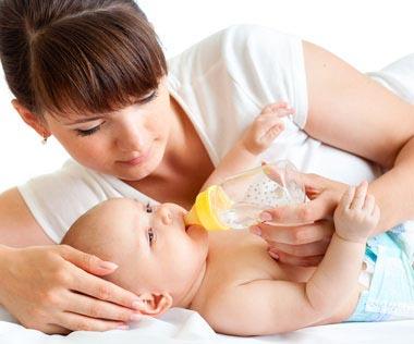 Quand donner le biberon à bébé ?