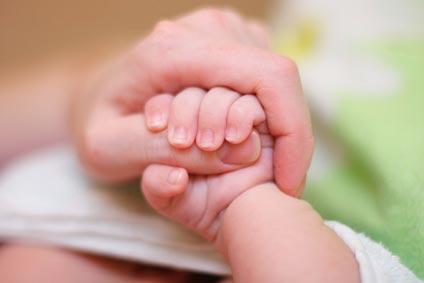 Comment faire faire le rot à bébé ?